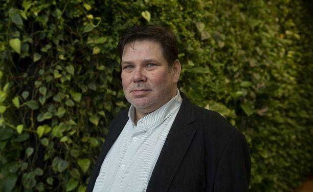 Petteri Pennilä näytteli ikimuistoisen roolin M/S Romanticissa.