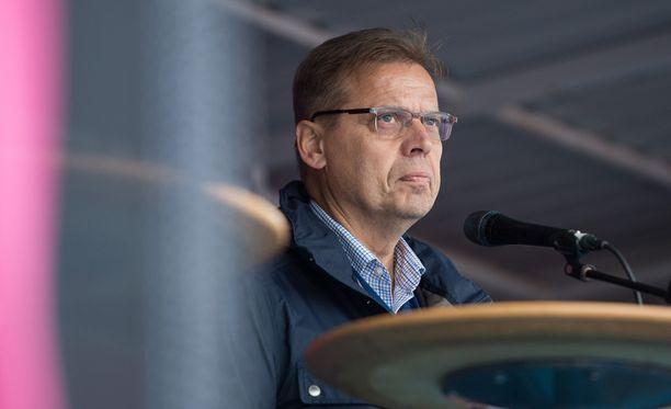 Puheenjohtaja Lauri Lylyn luotsaama SAK ei ole vielä vastannut hallituksen sopimusesitystoiveisiin.