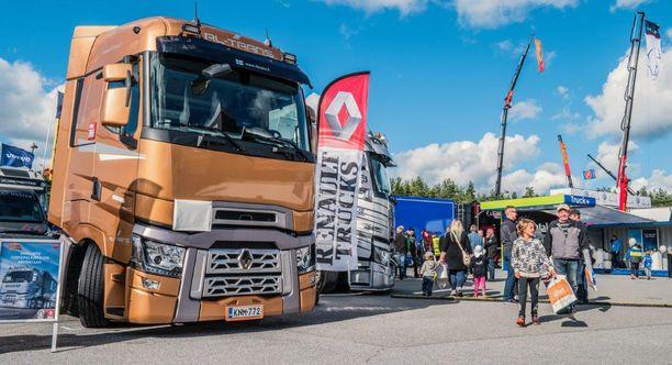 Komeat rekat ovat Power Truck Shown tähtiä.