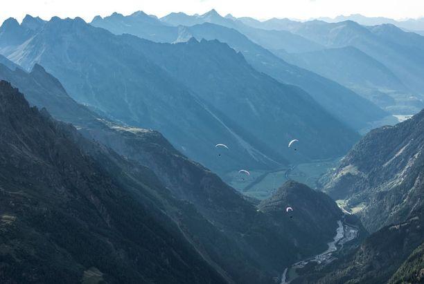 Matkustajan toiminta esti bussin syöksymisen rotkoon Alpeilla.