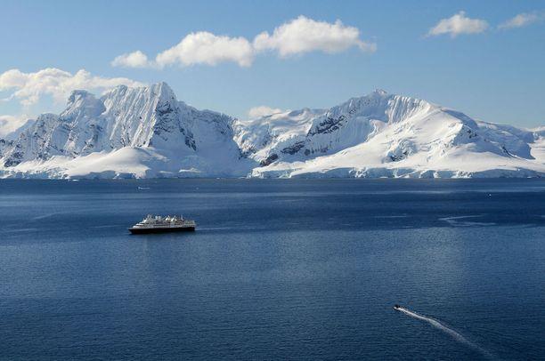 Leiki löytöretkeilijää - kiinnostuneet voivat risteillä vaikkapa Antarktiksella.