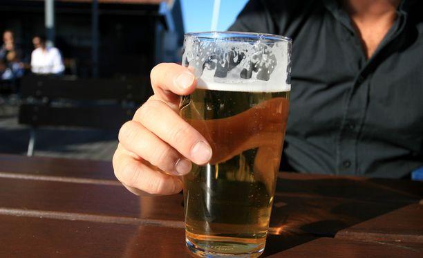 Yhdysvaltalaistutkimuksen mukaan pimeys ja kylmyys lisäävät alkoholinkulutusta.