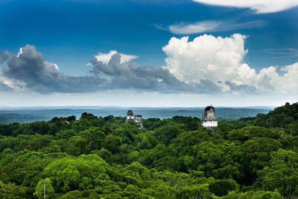 Tikalin maya-kaupunki toimi myös elokuvasarjassa kapinallistukikohtana.