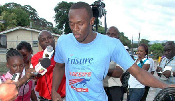 Usain Boltin pääsy ulos sairaalasta oli valtaisa mediatapahtuma.