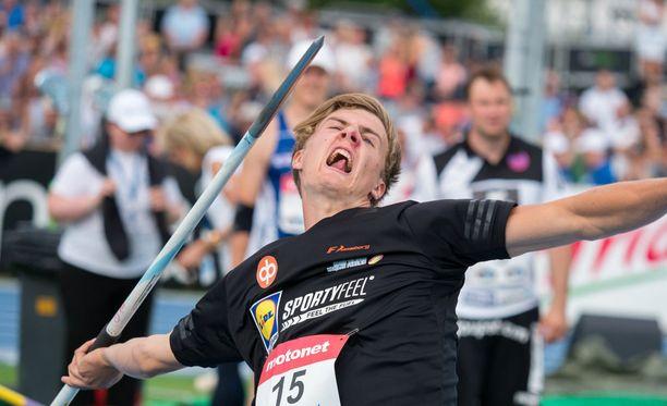 Tero Pitkämäki luottaa Oliver Helanderiin (kuvassa).