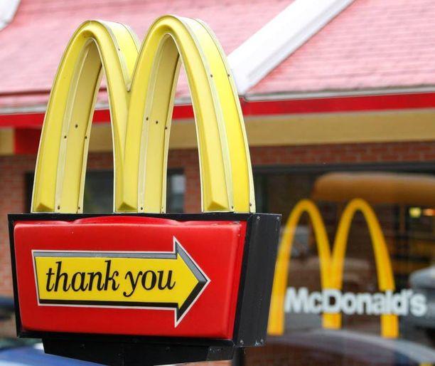 McDonaldsin entiset työntekijät uskovat saaneensa potkut ihonvärin vuoksi. Ravintoloissa oli syytteen mukaan myös seksuaalista häirintää.