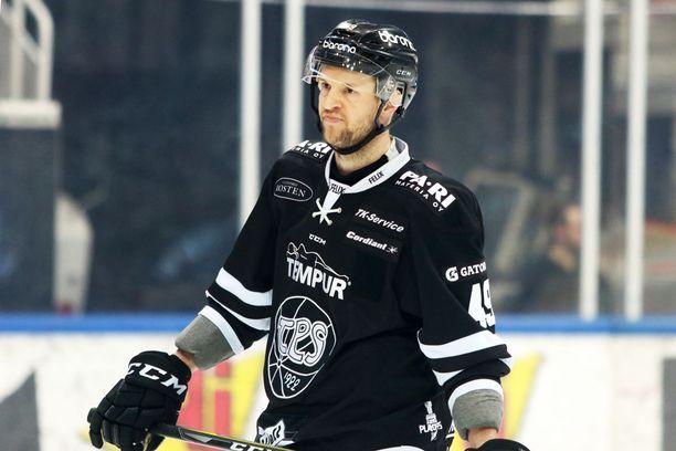 Ilkka Heikkinen palaa tänään kaukaloon.