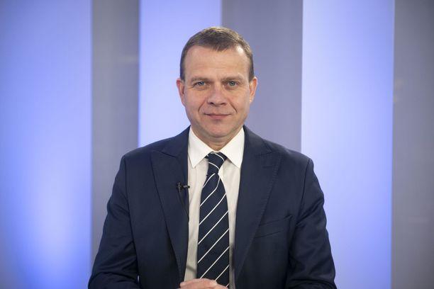 """Petteri Orpo (kok) ehdottaa kolmikantaista """"tulevaisuussopimusta""""."""
