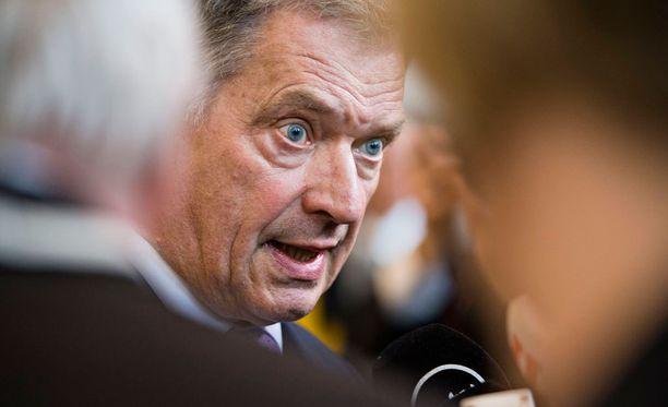 Presidentin puhe herätti runsaasti kritiikkiä ja etenkin useat oppositiokansanedustajat tulkitsivat puhetta niin, että Niinistön mukaan Suomen ei tulisi enää noudattaa kansainvälisiä sopimuksia.