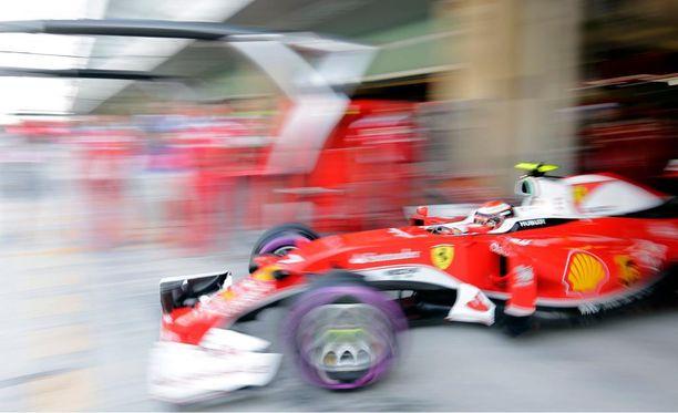 Kimi Räikkönen jäi reilut 0,2 sekuntia Sebastian Vettelin vauhdista.