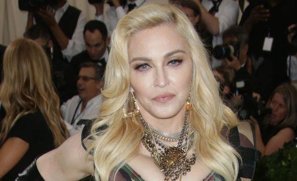 Madonna ei välttämättä vielä voittanut vääntöä.