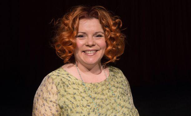 Kiti Kokkosella on ollut pitkään pirteän punainen tukka.