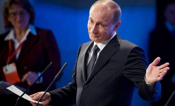 Todennäköisesti Suomen ja Venäjän välisen rajan tukala turvapaikanhakijatilanne juontaa juurensa Venäjän turvallisuuspalveluun ja presidentti Vladimir Putiniin.