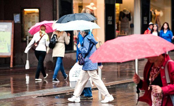 Ensi viikko näyttää sateiselta ja harmaalta etenkin Etelä- ja Länsi-Suomessa.