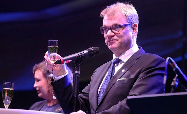 Pääministeri Juha Sipilä (kesk) uskoo, että vuoteen 2025 mennessä EU:sta on tullut vahva ulko- ja turvallisuuspoliittinen vaikuttaja, jonka yli ei enää voida kävellä.