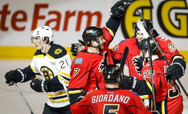 Calgary juhli 4-3-voittoa Bostonista.