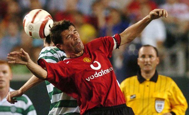 Roy Keane ei lämpene ManU-pelaajan sukeltelusta.