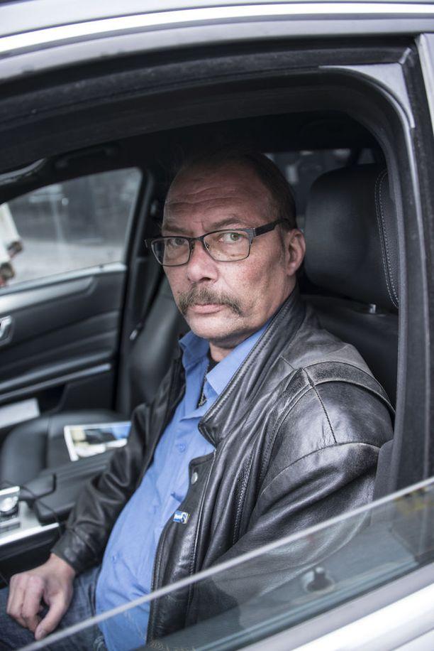Kim Lindholmin mukaan perussuomalaiset menetti taksiyrittäjät ja -kuljettajat äänestäjinä.