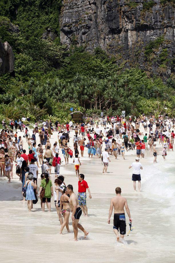 Viime vuosina Maya-lahden rannalla ei juuri mahtunut ottamaan aurinkoa.
