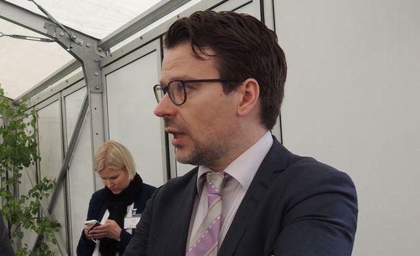 Vihreiden puheenjohtaja Ville Niinistö on uusien vaalien kannalla.