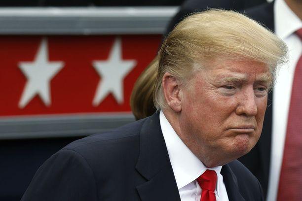 Donald Trump suostui itse pudottamaan painoaan, mutta ei toistaiseksi ole pystynyt luopumaan mieliherkuistaan ainakaan kokonaan.