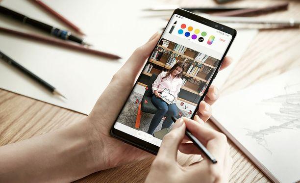 Kuvassa Galaxy Note 8.