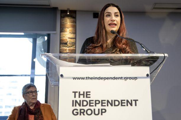 """Työväenpuolueesta eronneet kahdeksan kansaedustajaa haluavat tehdä """"uudenlaista politiikkaa"""", koska vanha politiikka on """"rikki""""."""
