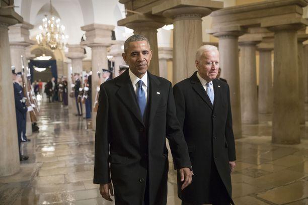 Muun muassa Yhdysvaltain entisen presidentin Barack Obaman ja ex-varapresidentin Joe Bidenin Twitter-tileillä julkaistiin huijausviestejä.