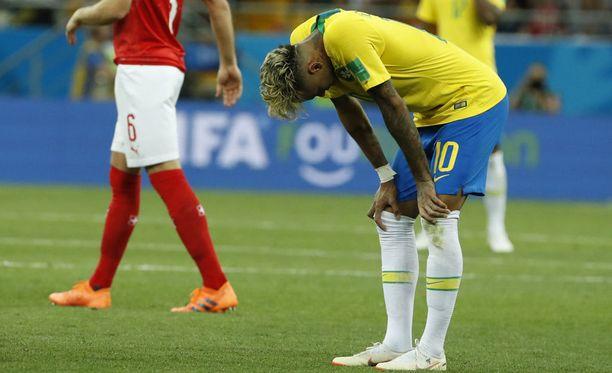 Neymar oli sunnuntain Sveitsi-ottelussa Brasilian näkyvimpiä pelaajia, mutta se ei auttanut Brasiliaa voittoon.
