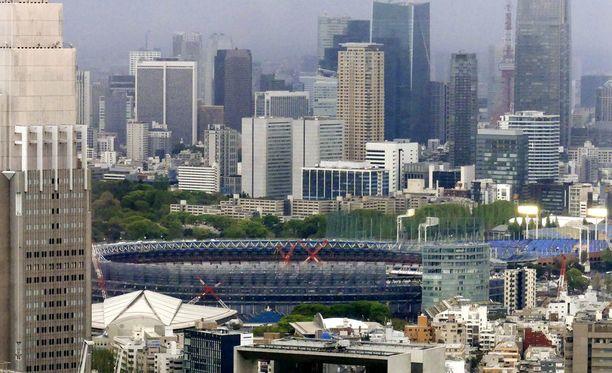 Stadion nousee aivan Tokion ytimeen.