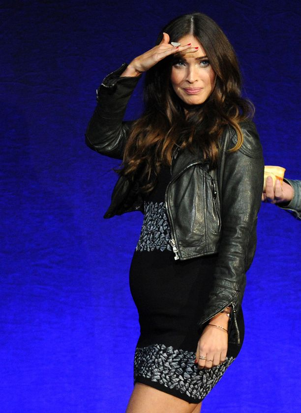 Megan Fox vauvavatsansa kanssa Las Vegasissa maanantaina.
