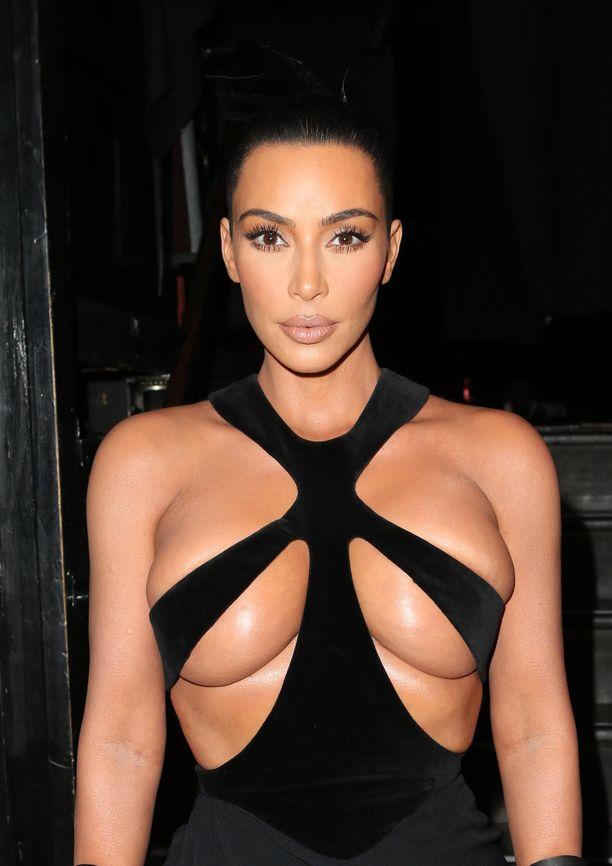 Kim Kardashian on yksi tyylimaailman seuratuimmista naisista.