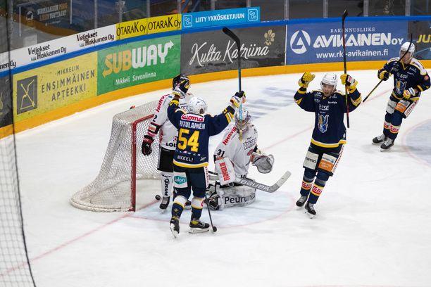 Jukurit johti lauantaina kotiavaustaan JYPiä vastaan kolmesti, mutta pisteet lähtivät Jyväskylään numeroin 4–3.