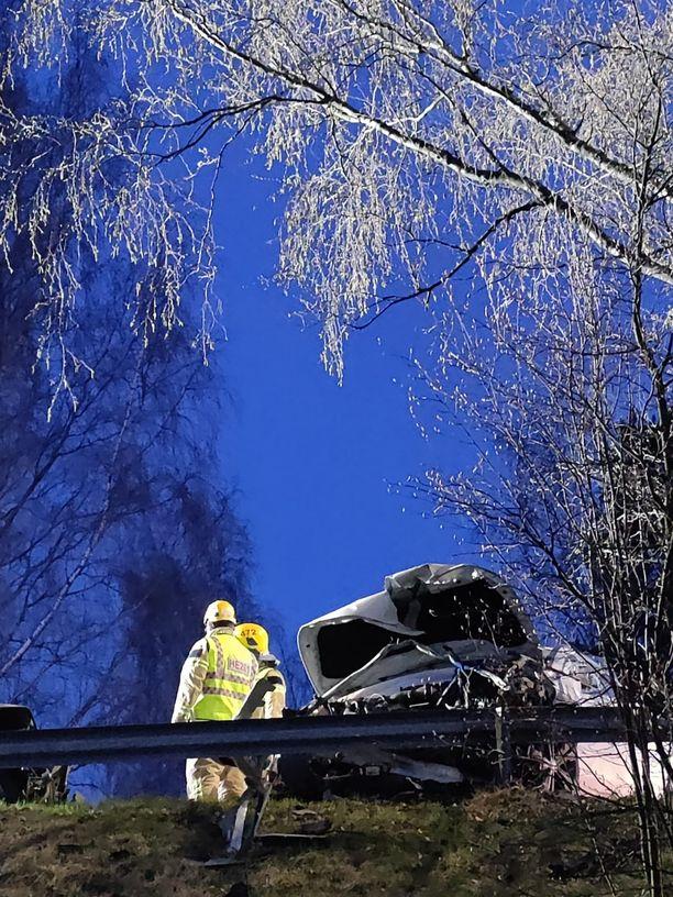 Kolarissa Lauttasaaressa loukkaantui vakavasti yksi henkilö.