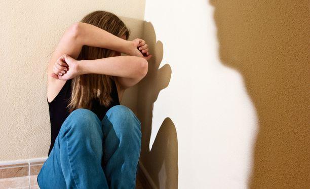 Amnesty kertoo, että vain harvassa kunnassa on selvitetty naisiin kohdistuvan väkivallan yleisyyttä.