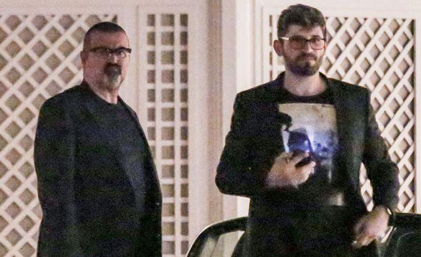 Fawaz haki George Michaelin vieroitusklinikalta vuonna 2015.