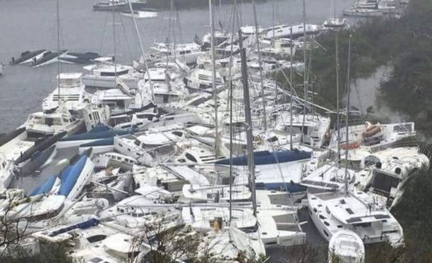 Venesatama Saint Martinin saarella muuttui myrskyn myötä romukasaksi.