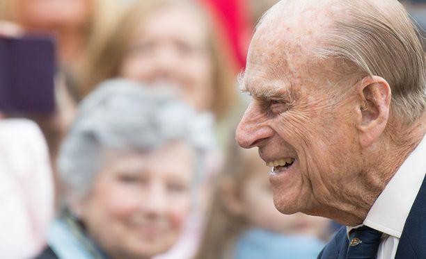 Britannian prinssi Philipillä on tänään keskiviikkona edessään viimeinen edustustehtävänsä, jonka jälkeen hän jää eläkkeelle. Hovin mukaan prinssi saattaa silti tulevaisuudessakin esiintyä vielä silloin tällöin puolisonsa kuningatar Elisabetin rinnalla.