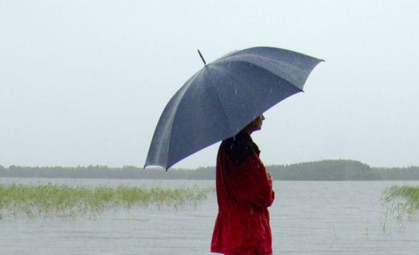 Lauantaina tulee tihkua tai heikkoa sadetta monin paikoin koko maassa, kertoo Ilmatieteen laitos.