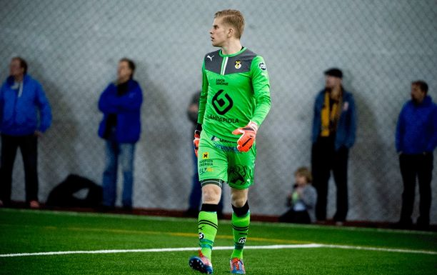 Tomi Maanoja torjui KuPS:n Suomen cupin puolivälieriin.