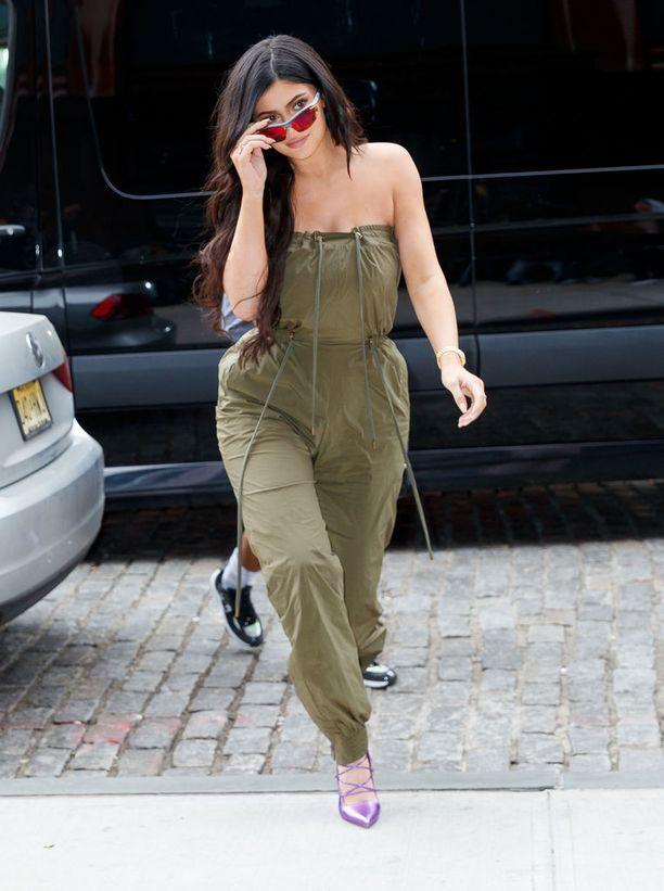 Yksi Instagram-postaus Kylie Jenneriltä muuttuu Fashion Novan perustajan Richard Saghian mukaan 50 000 dollarin myynneiksi.