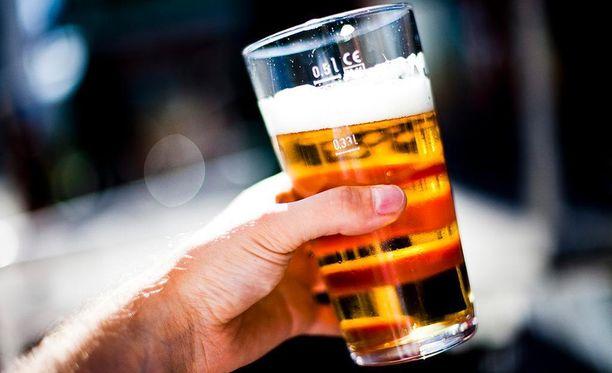 Hallitus kaavailee useita muutoksia alkoholilakiin.