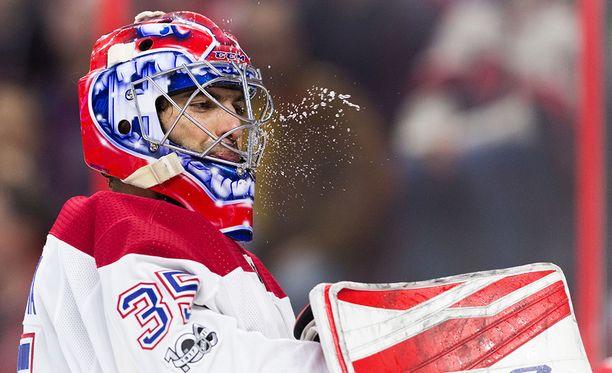 Al Montoya vaihtaa Canadiensin värit Oilersin sinioranssiin.