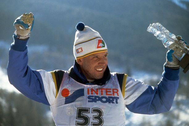 Torgny Mogren voitti 50 kilometrin MM-kultaa Val di Fiemmen kisoissa keväällä 1991.