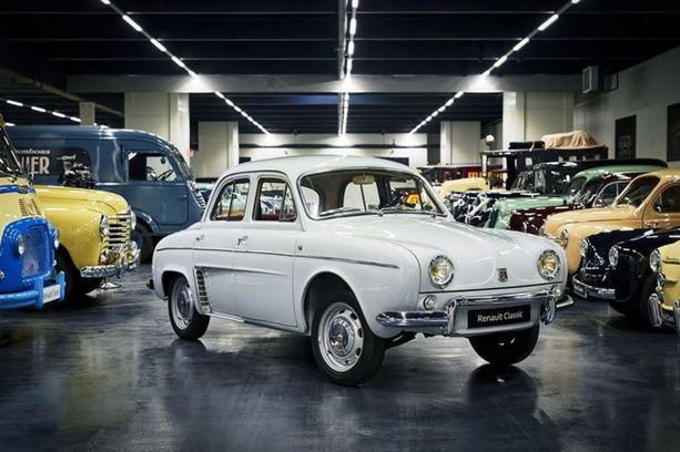 """Dauphine eli """"Sämpylä"""". Autoa valmistettiin vuosina 1956 - 1967."""