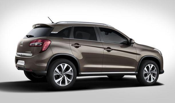 Sivulinjoista saattaisi tunnistaa Mitsubishi ASX:n, jos on oikein tarkka.