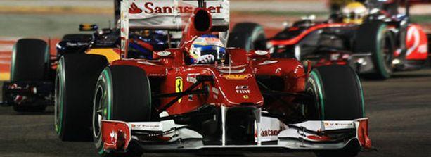 Fernando Alonso voitti Singaporen osakilpailun toisen kerran urallaan.
