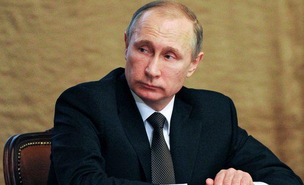 Vladimir Putinin lähipiiri rikastuu pakotteista huolimatta.