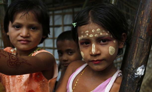 Rohingya-lapsia pakolaisleirillä Bangladeshissa.