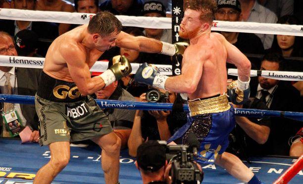 Gennady Golovkin ja Canelo Álvarez otivat toisistaan mittaa Las Vegasissa.